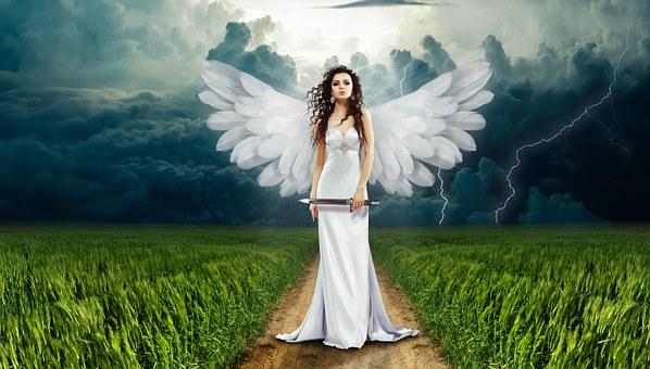 刃物を持った天使