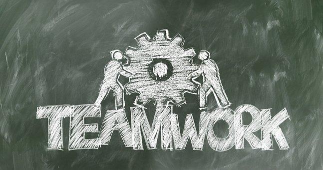 黒板に書かれたチームワーク