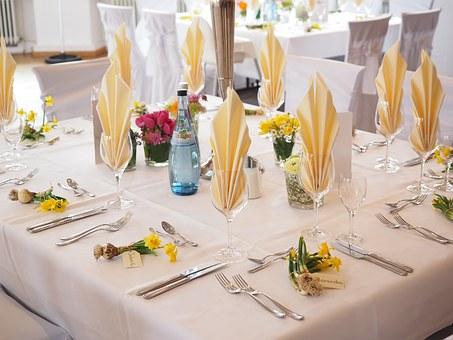 結婚披露宴のテーブル