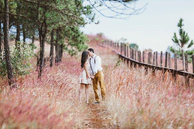 結婚後 好きな人 キス 結婚してるのにキス